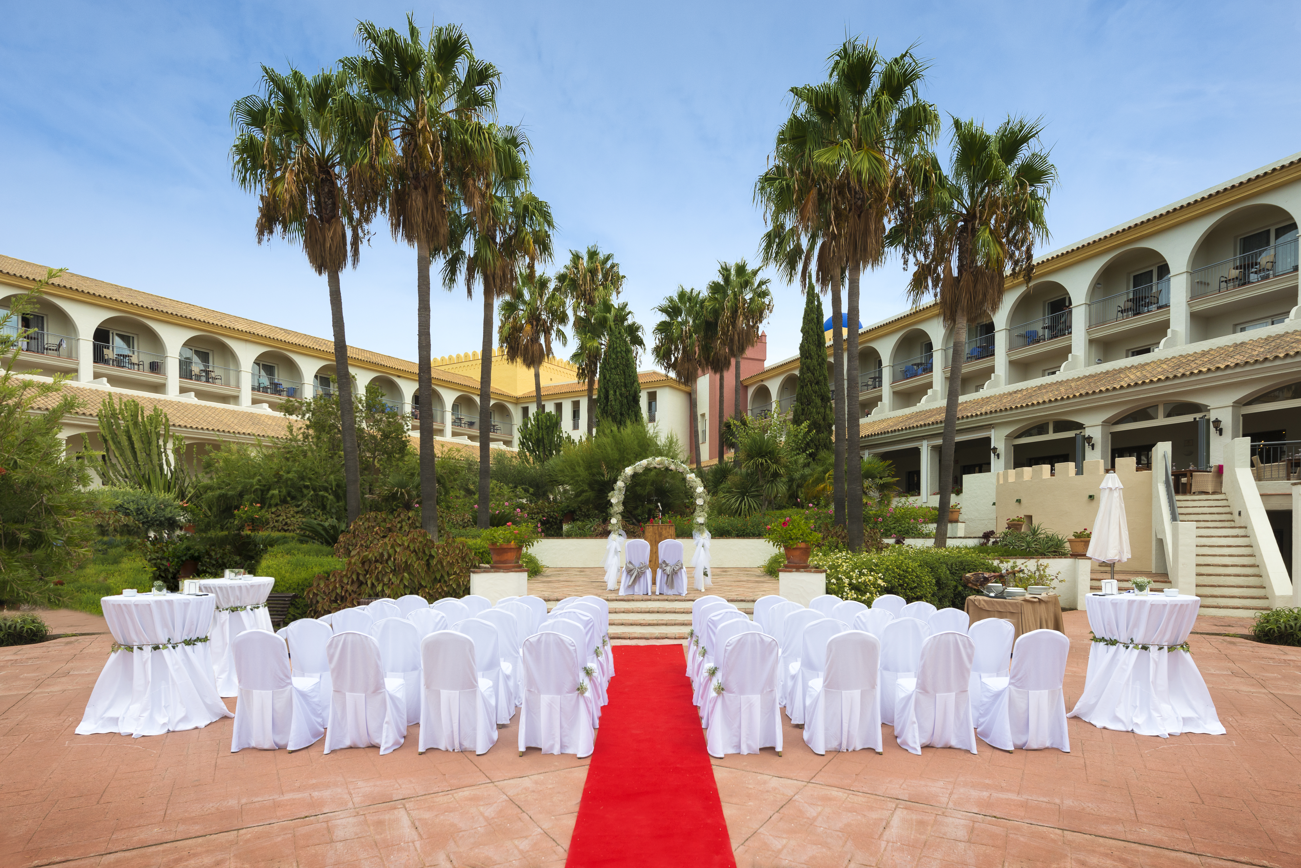 3 Ways To Choose The Best Wedding Venue For A Spanish Wedding. Photo Fuerte Conil