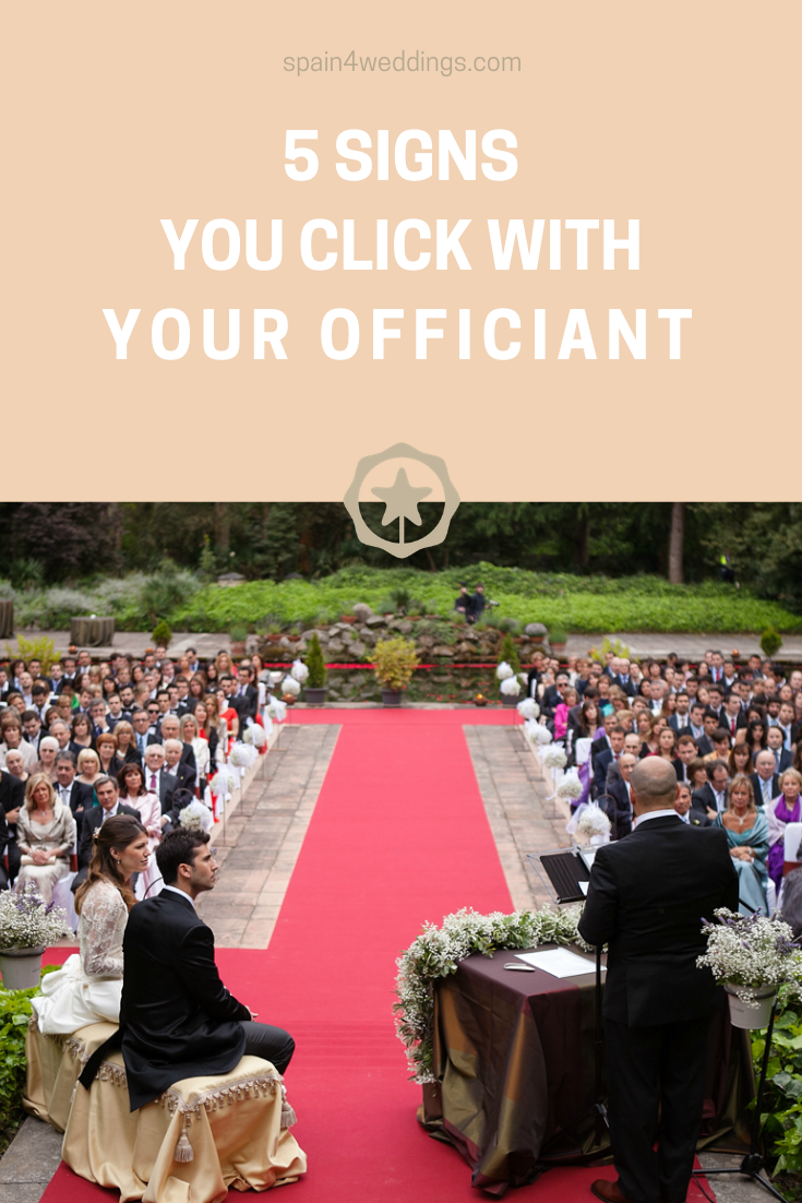 5 Signs you click with your officiant -