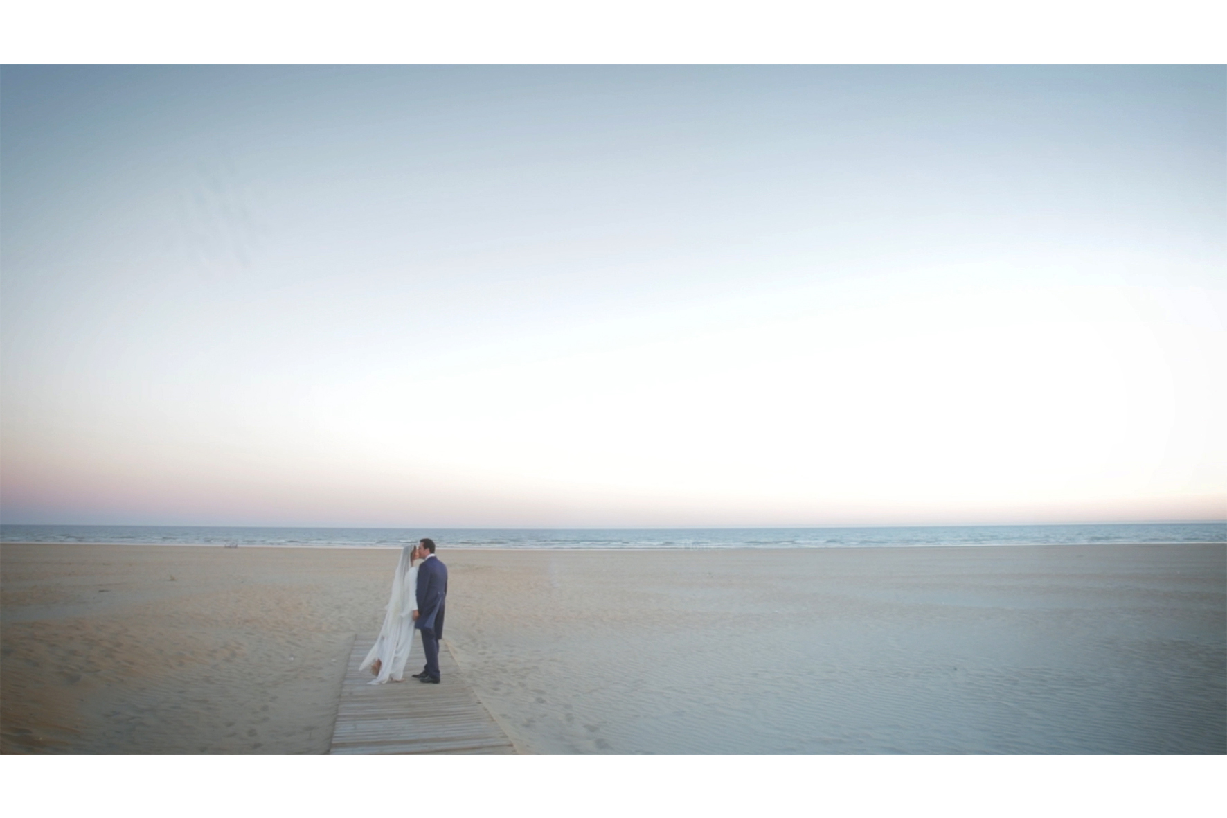 Why choose Spain for your honeymoon. Photo by Las Bodas de Pantamaría