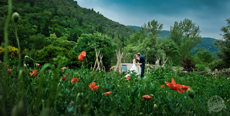 The dos and don'ts of combining your destination wedding and honeymoon. Photo by Dani Legaz