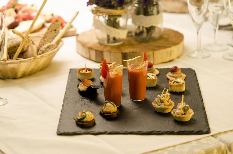 How many courses you should serve at your reception dinner. Photo by Bardana Catering.