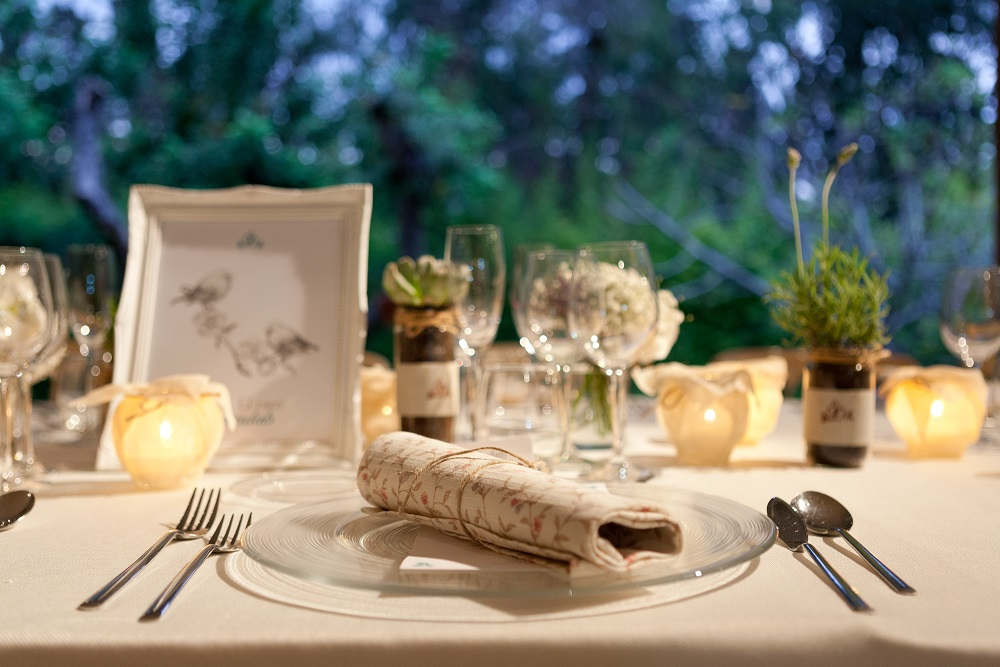 Seven foods to avoid on your wedding day. Photo by Martin Berasategui.