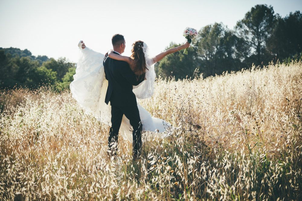 Is it ever okay to start planning a wedding before the proposal. Photo by Jordi Tudela.