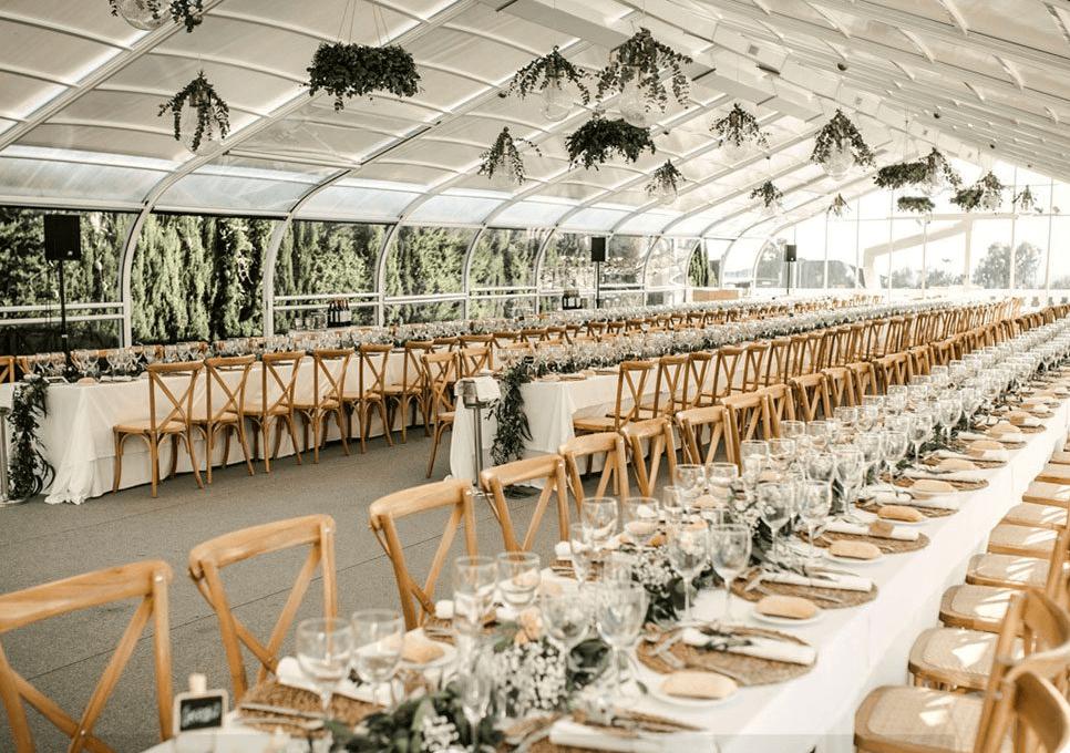 The 6 most popular type of wedding centerpieces. Photo_Beachfront wedding in Costa Blanca